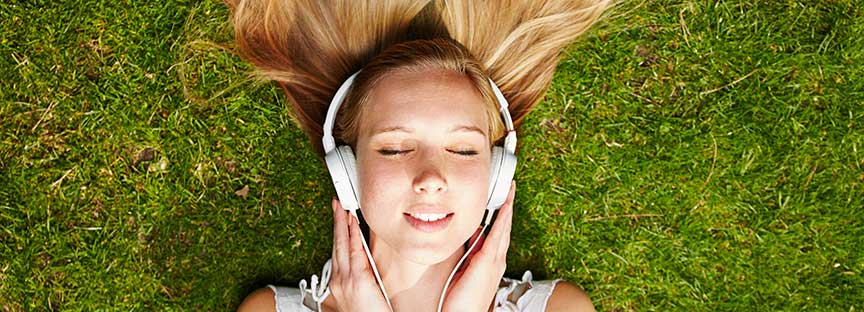 4 Great Self-Improvement Audiobooks You Need to Hear First